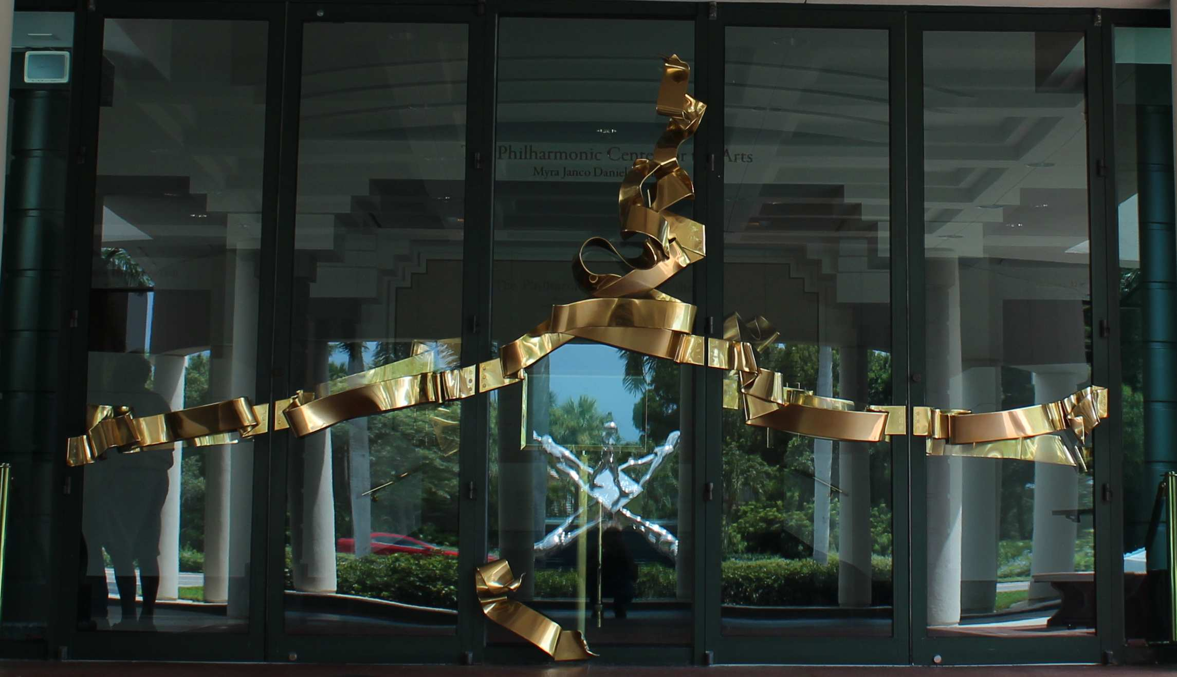 cross currents by albert paley Albert paley, an active artist for over 40 years at his studio in rochester, new  york, is the first metal sculptor to receive the  cross currents, exterior sculpture.