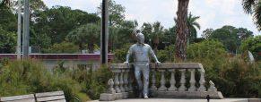 Wes Nott Statue