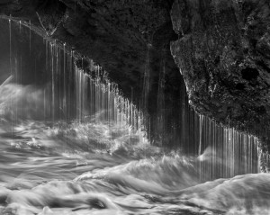 Camera USA Sea Cave Splash