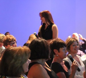melissa-tschari-dehaven-canvasses-audience-01