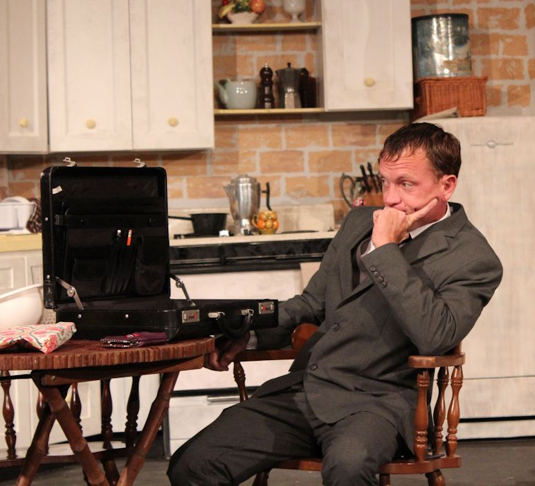 Justin Larsche at his best as lovestruck lawyer Burnette Lloyd in Lab's 'Crimes of the Heart'